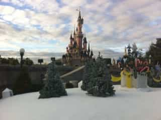 Disneyland_paris_christmas3