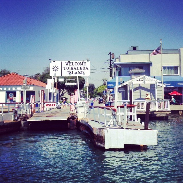 Welcome to Balboa Island! Taking the ferry from Newport Peninsula to explore the quaint streets, shops and of course get a frozen banana!
