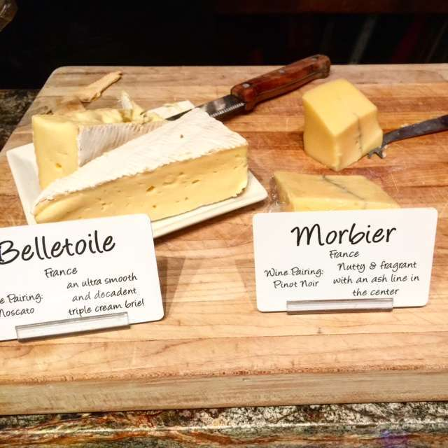 amodernmotherWe got to sample the cheeses before we purchased them for our picnic on the grounds at @vsattui