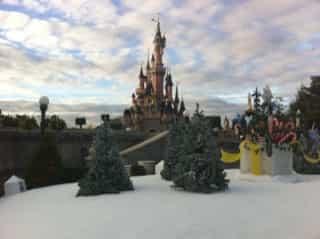 Disneyland_paris_christmas3