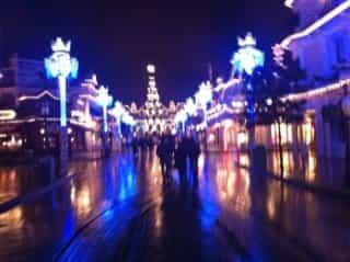 Disneyland_paris_christmas_night